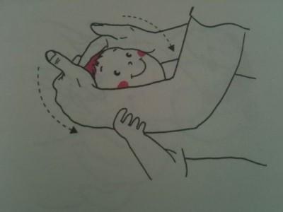 有的宝宝喜欢趴着睡,让爸爸妈妈很不放心