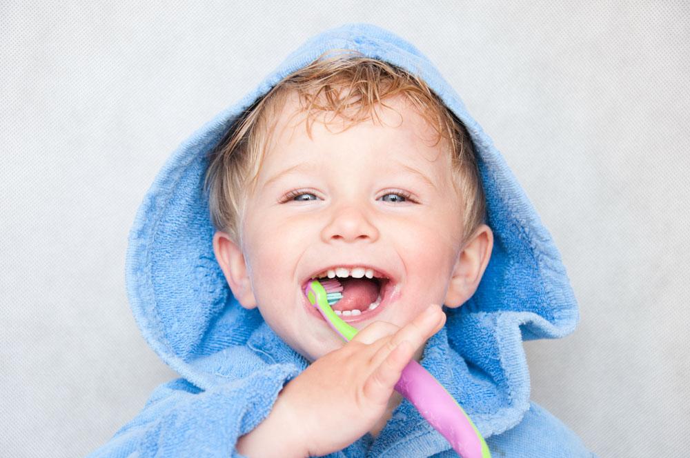 宝宝多大年纪可以刷牙?怎么刷?