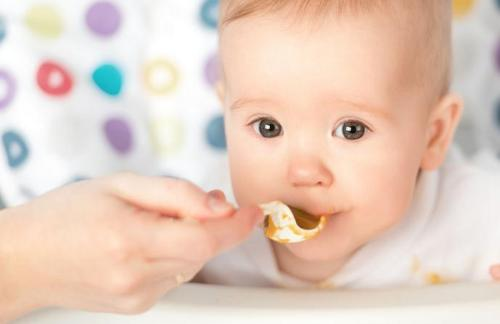 宝宝的第一餐需要额外注意吗?